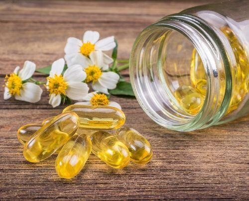 Tidak Hanya Skin Care, 6 Suplemen Ini Juga Bisa Bantu Atasi Jerawat