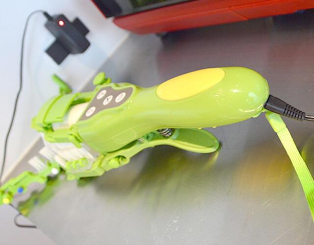ROBOT CANGGIH INI BISA BUAT LU MAKIN MALES CUCI PIRING GAN !! CEKIDOT GANN!!