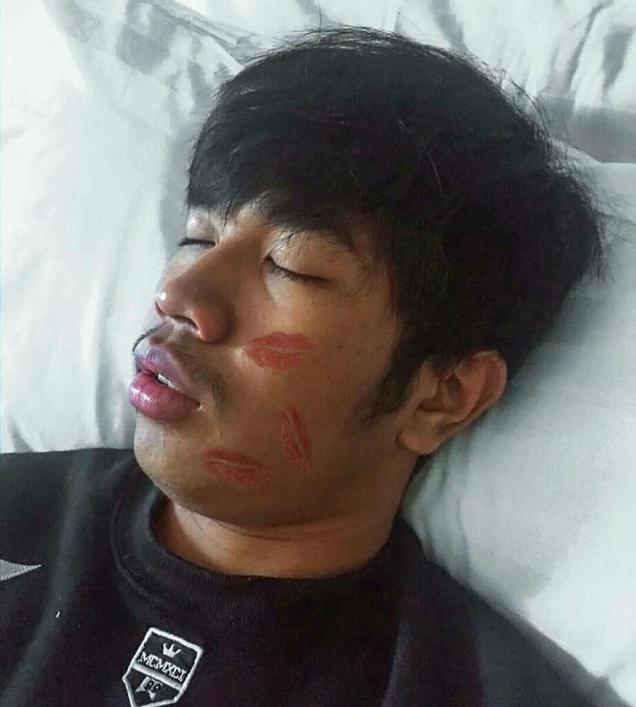 Niat! Netizen Ngikutin Makeup Babak Belur ala Young Lex