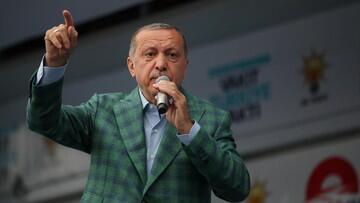 Kurs Lira Anjlok 18 Persen, Erdogan Bantah Turki Alami Krisis