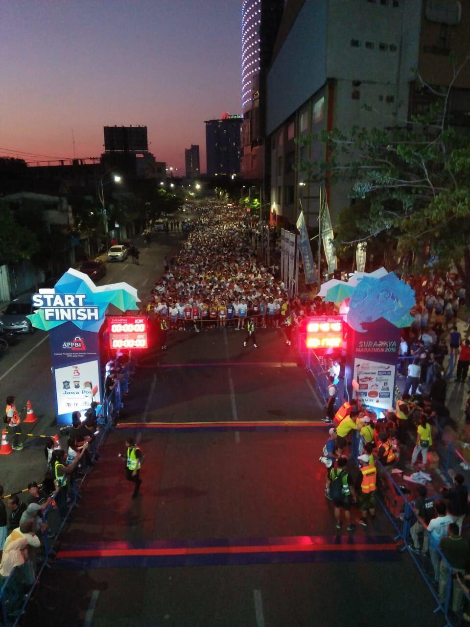 10 Potret Keseruan Surabaya Marathon 2018, Bu Risma Ikutan Lari Lho