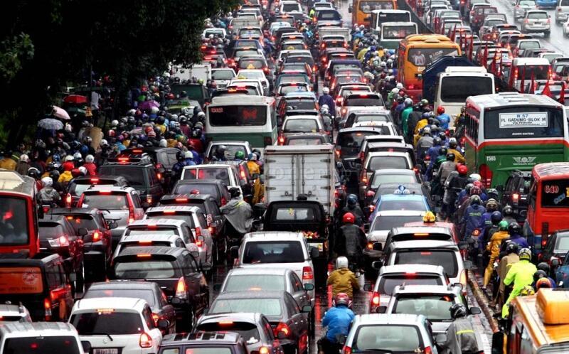 Alasan yang bikin Agan Sista susah beralih ke transportasi publik