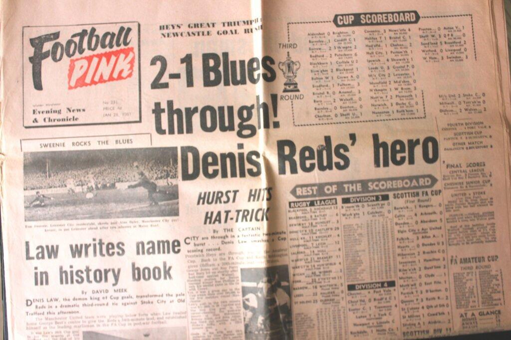 Mengungkap Sejarah Dibalik Jersey Pink Manchester United