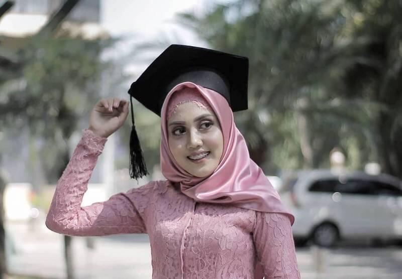 Bahan Hijab Ini Cocok Buat Wisuda Sederhana Tapi Bikin Kamu Terkesan Glamor Kaskus