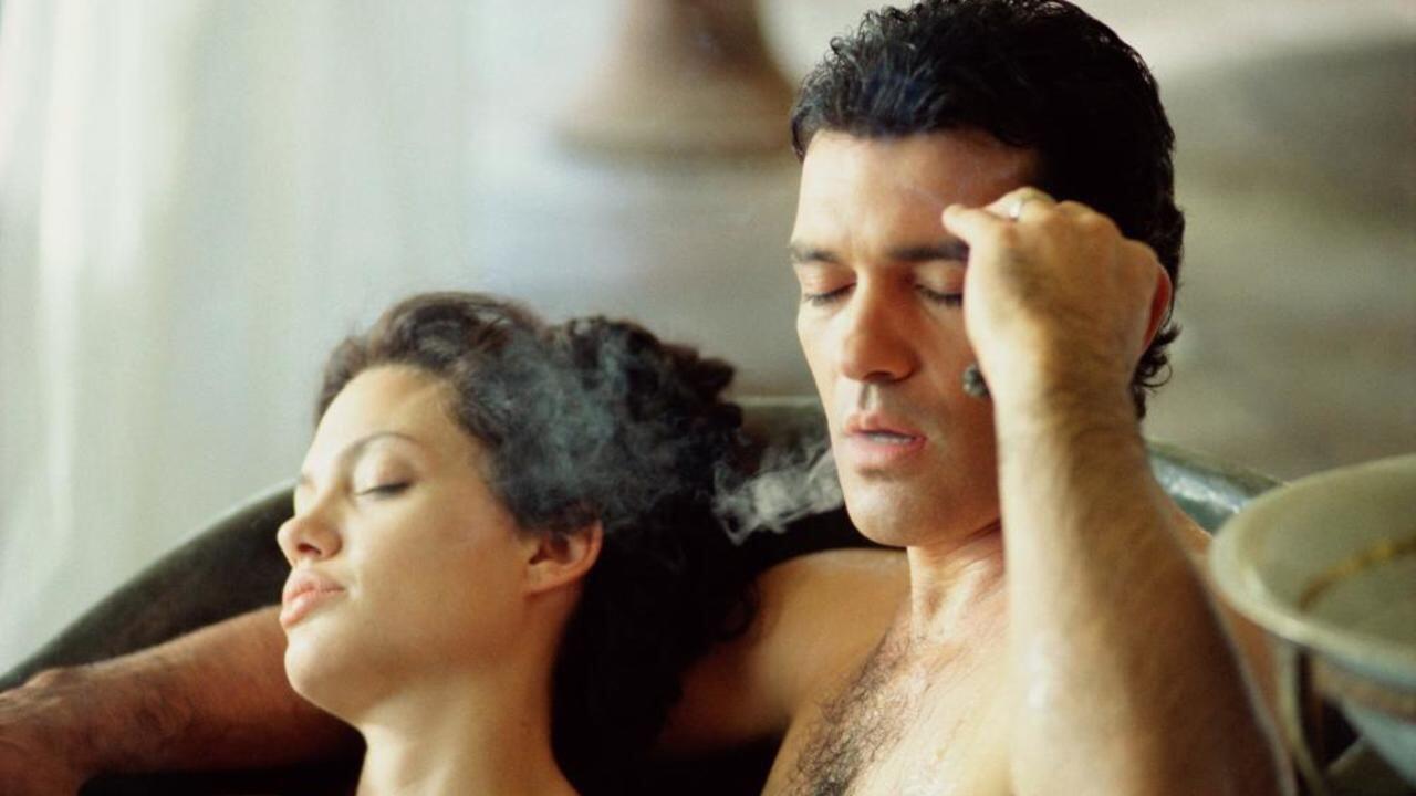 Hanya Untuk 20+, 7 Film Romantis Ini Punya Banyak Adegan Erotis