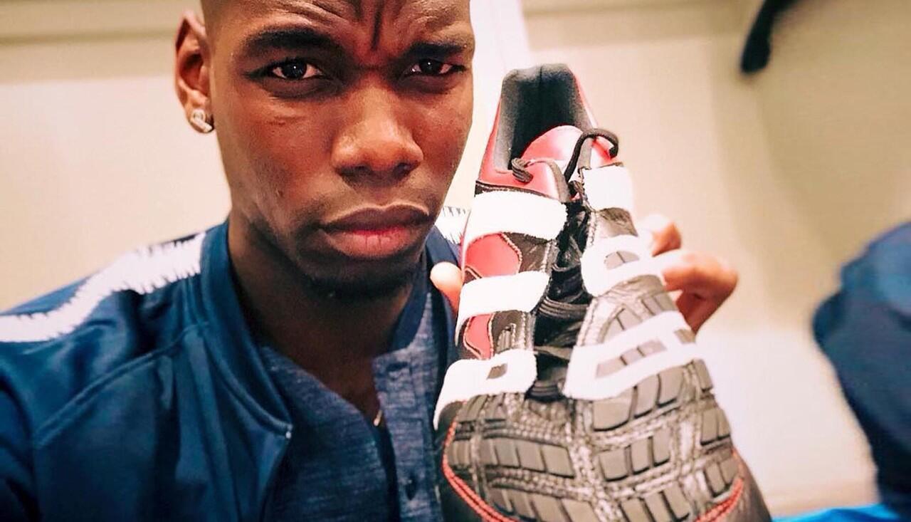 Paul Pogba Pamer Adidas Predator Accelerator