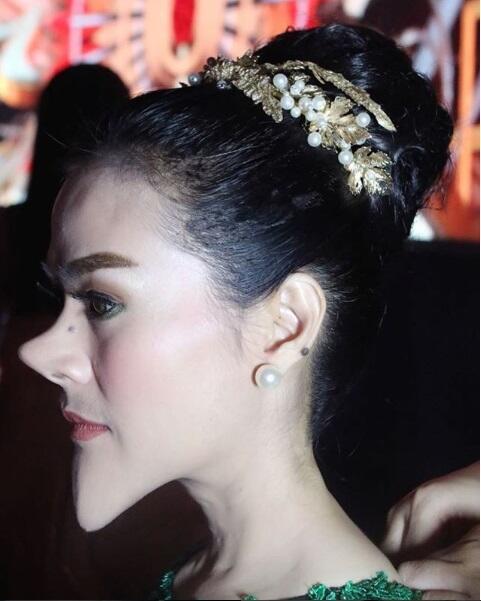 Julid Deh, Artis-artis Ini Edit Foto Seperti Beauty Blender: Nyindir Roy Kiyoshi Ya?
