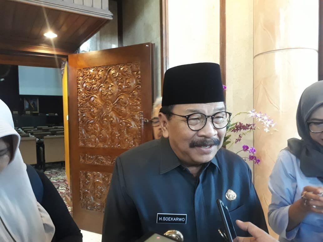 Soekarwo Sahkan SK Pelantikan 40 PAW DPRD Kota Malang