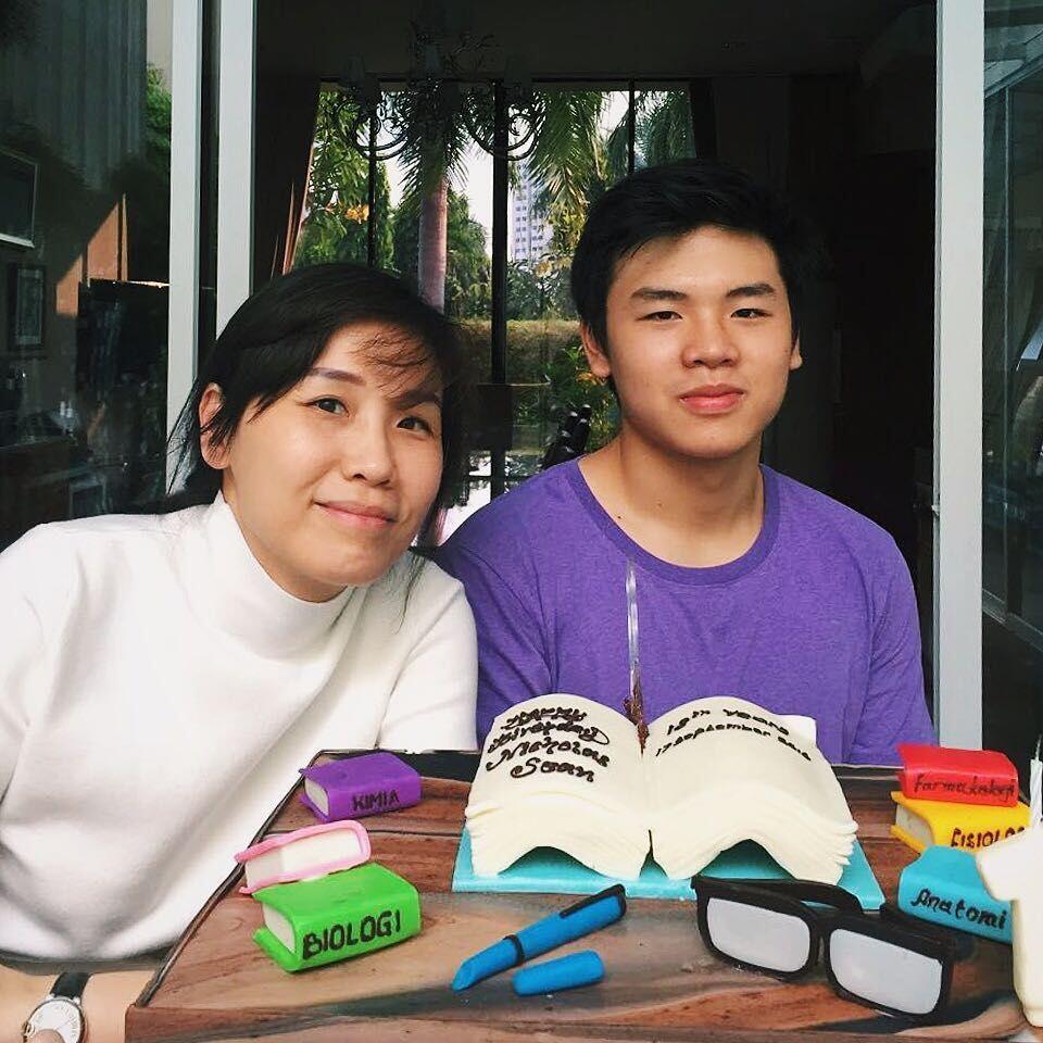 Lama Tak Muncul, Ini 10 Potret Terbaru Veronica Tan