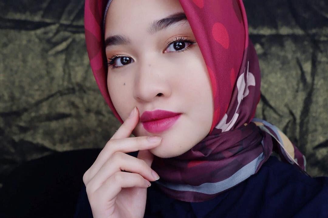 Tak Hanya Cantik, 7 Beauty Vlogger Ini Ternyata Punya Otak yang Encer