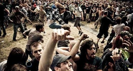 #aslinyalo Orang pendiem penyuka musik aliran garis keras