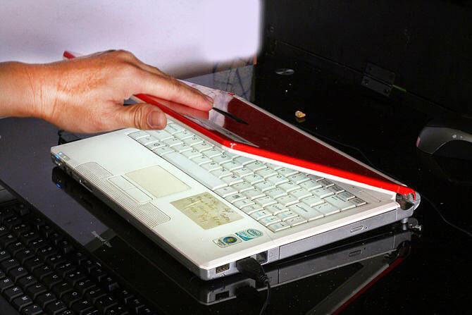 [COC] Supaya Engsel Laptop Panjang Umur, Ikutin Tips Ini Yuk #AslinyaLo