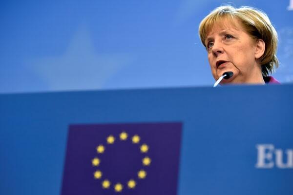 Angela Merkel Akan Kurangi Utang Jerman