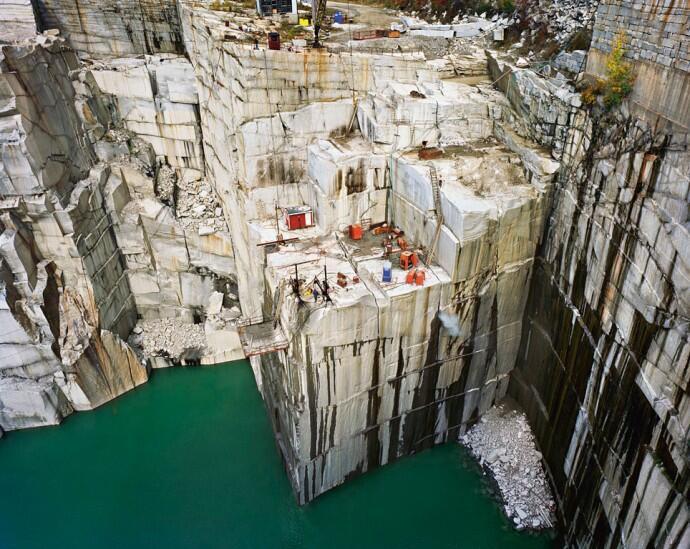 Spot Cantik Cliff Jumping di Sini Mantap Djiwa!