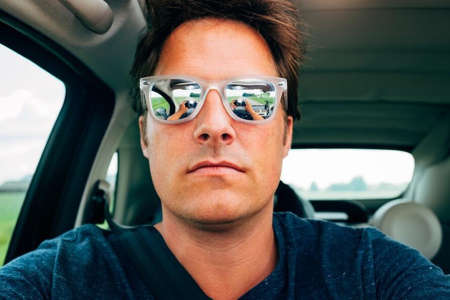 Trik Selfie Terbaik Menurut Ilmuwan yang Terbukti Menarik Banyak Like di Medsos