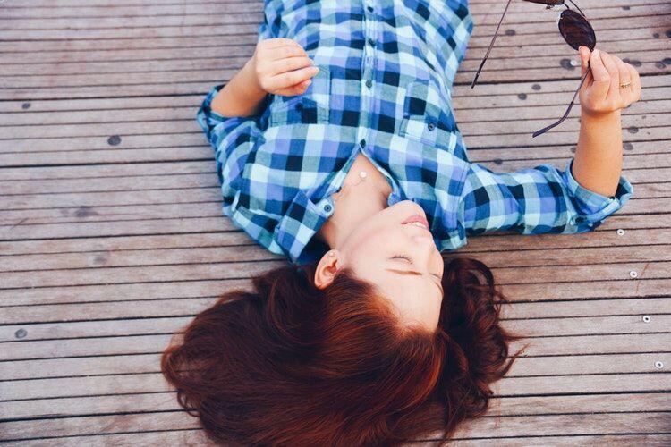 Catat Girls!5 Perilaku Cewek Ini Bisa Membuat Cowok Meleleh Seketika