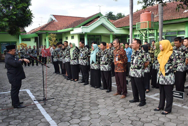 Presiden Jokowi Teken Perpres Tata Pakaian Resmi dan Acara Kenegaraan