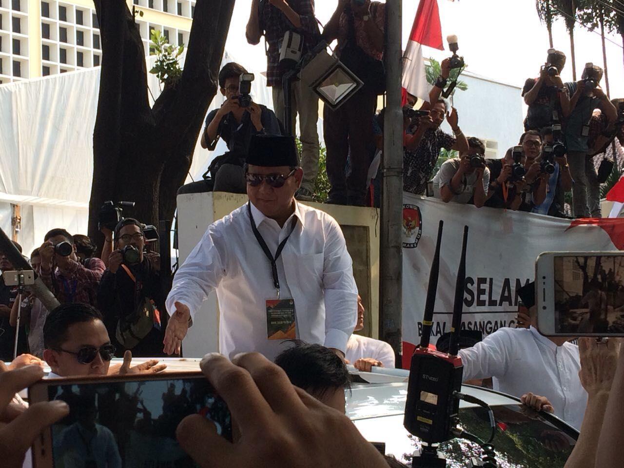 Prabowo Hadiahi Djoko Santoso Keris, Ini Maknanya