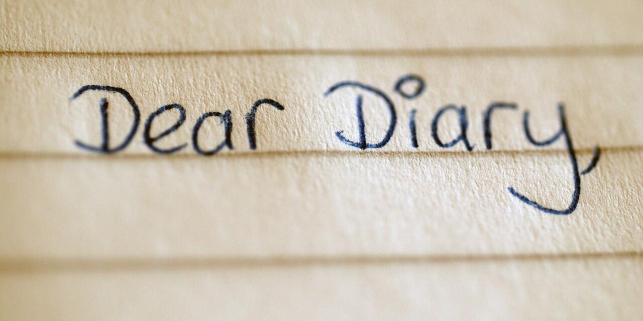 Seorang Gamer Yang Seneng Menulis Diary #AslinyaLo