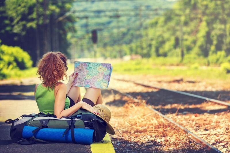 9 Bukti Cewek Doyan Traveling Harus Segera Kamu Lamar, Menang Banyak!