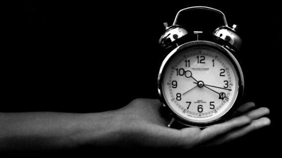 Bisa Jadi Pertanda Stres, Ini 7 Sebab Utama Kamu Mengigau Saat Tidur!