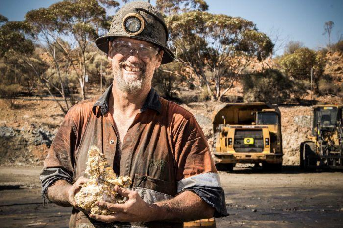 Penambang Australia Temukan Batuan Emas Seberat 95 Kg