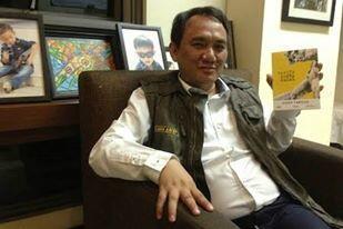 Andi Arief: SBY Memang Perintahkan Main Dua Kaki untuk Pemilu 2019