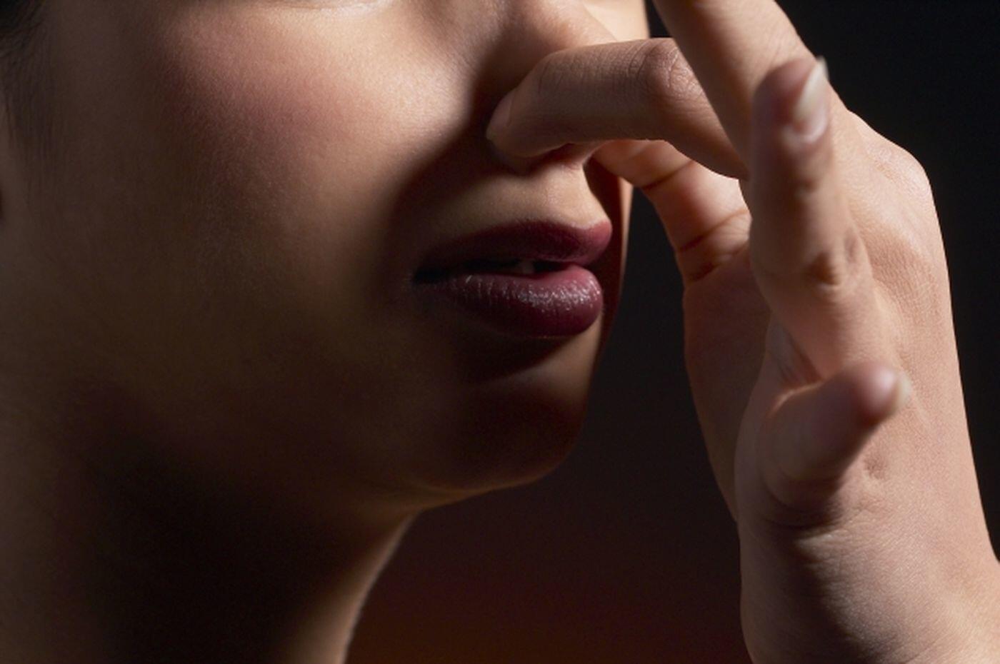 Ingin Terbebas dari Kentut Bau Busuk? Kenali 6 Penyebab Utamanya Ini!