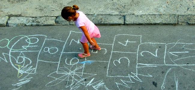 5 Permainan Masa Kecil Ini Pernah Bikin Kamu Lupa Waktu, Setuju?