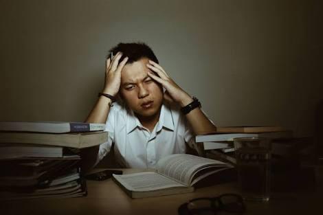 Bisa Bodoh! 4 Kebiasaan Yang Sering Di Lakukan Malah Menurunkan IQ Kalian!