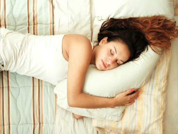 5 Posisi Tidur yang Pengaruhi Kecantikan Kulit, Mana Favoritmu?