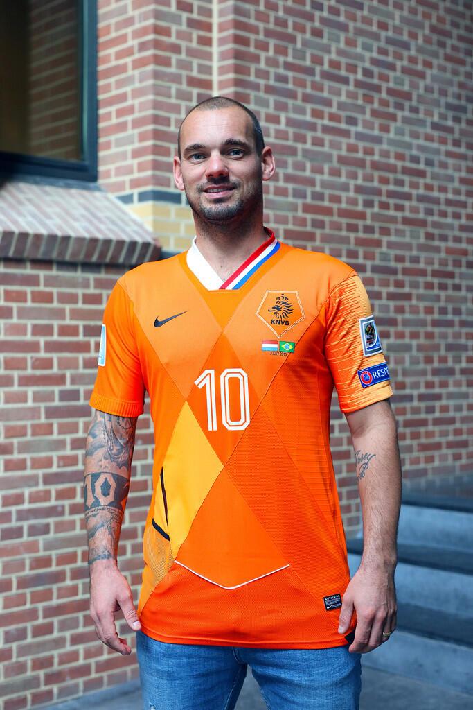 Jersey Mashup Timnas Belanda dari Nike untuk Sneijder