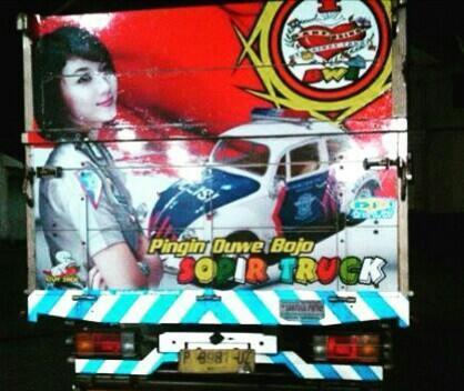 Raja Jalanan Bukan Sopir Bus Tapi Sopir Truck Muatan Cabai