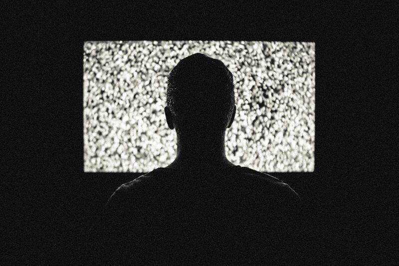 KPI Larang Stasiun TV Siarkan Tayangan Mistik dengan Adegan Kerasukan