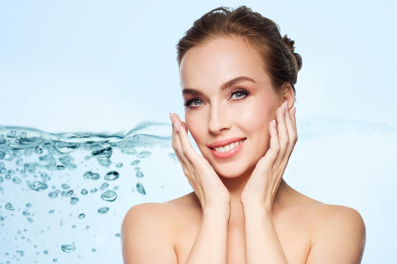 8 Alasan Paling Penting Kenapa Kamu Harus Minum Air Putih yang Banyak!
