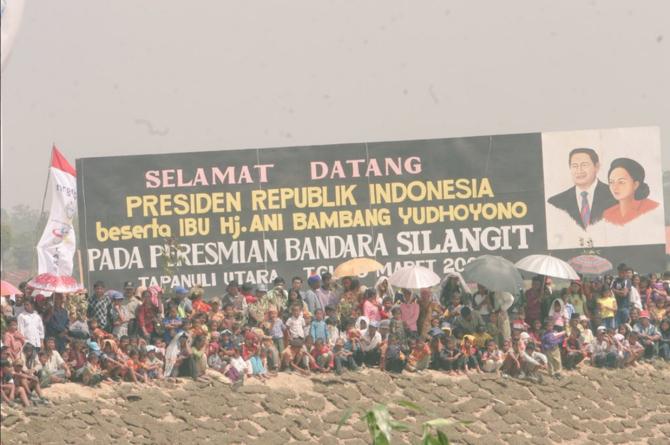 Bandara Silangit, diresmikan SBY diganti Jokowi