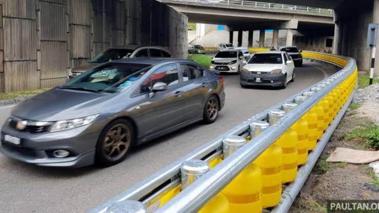 Inovasi Pembatas System Roller Untuk Mengurangi Korban Meninggal Karena Kecelakaan