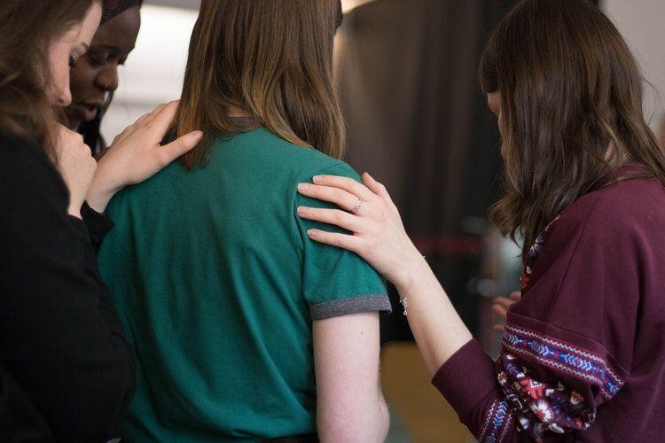 Jangan Diam, Lakukan 5 Hal Ini Saat Melihat Temanmu Di-bully