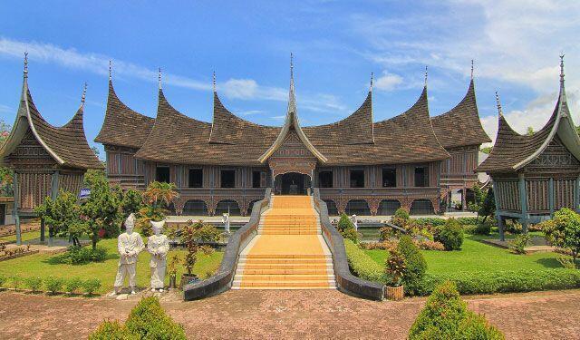 Main ke Sumatera Barat? Jangan Lupa Kunjungi 10 Situs Bersejarah Ini
