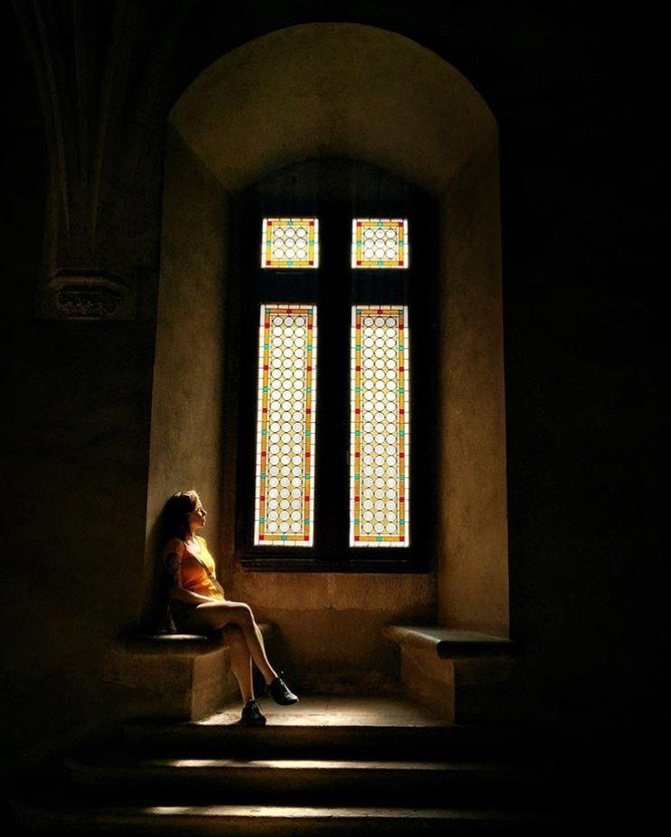 "12 Potret Indah Lokasi Syuting Film ""The Nun"", Jauh dari Kata Seram!"