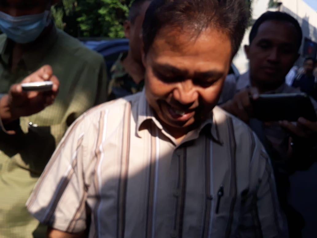Tebar Senyum, Nur Mahmudi Penuhi Panggilan Polisi Hari Ini