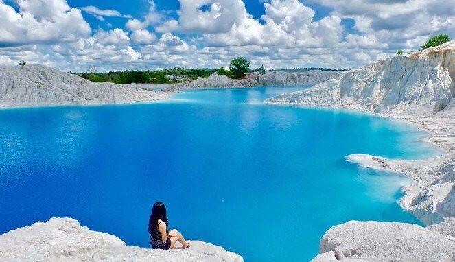 Bikin Hati Tenang, 5 Potret Wisata Alam Ini Memiliki Air Warna Toska