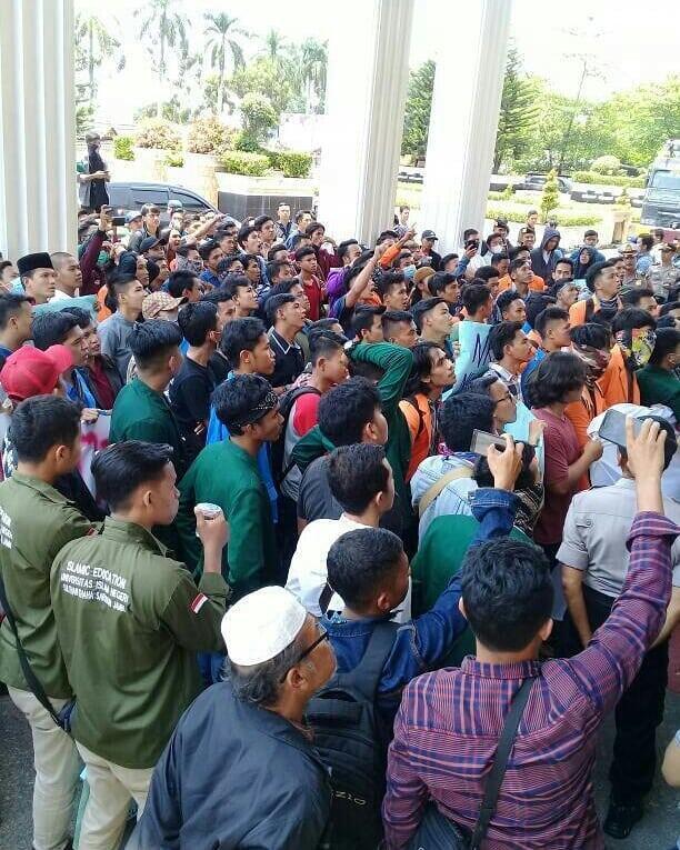 Giliran Mahasiswa Jambi Demo Jokowi