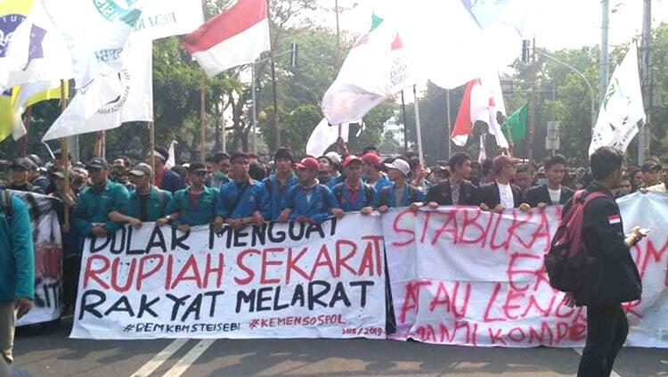 Aksi Mahasiswa di Berbagai Kota Tuntut Jokowi Mundur ...