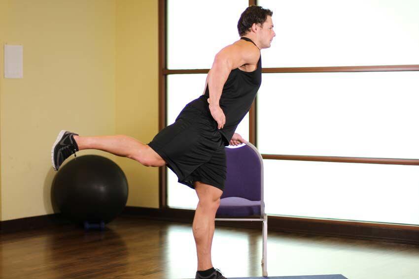 Sambil Berdiri, Lakukan 5 Gerakan Mudah Ini untuk Kencangkan Pantatmu!