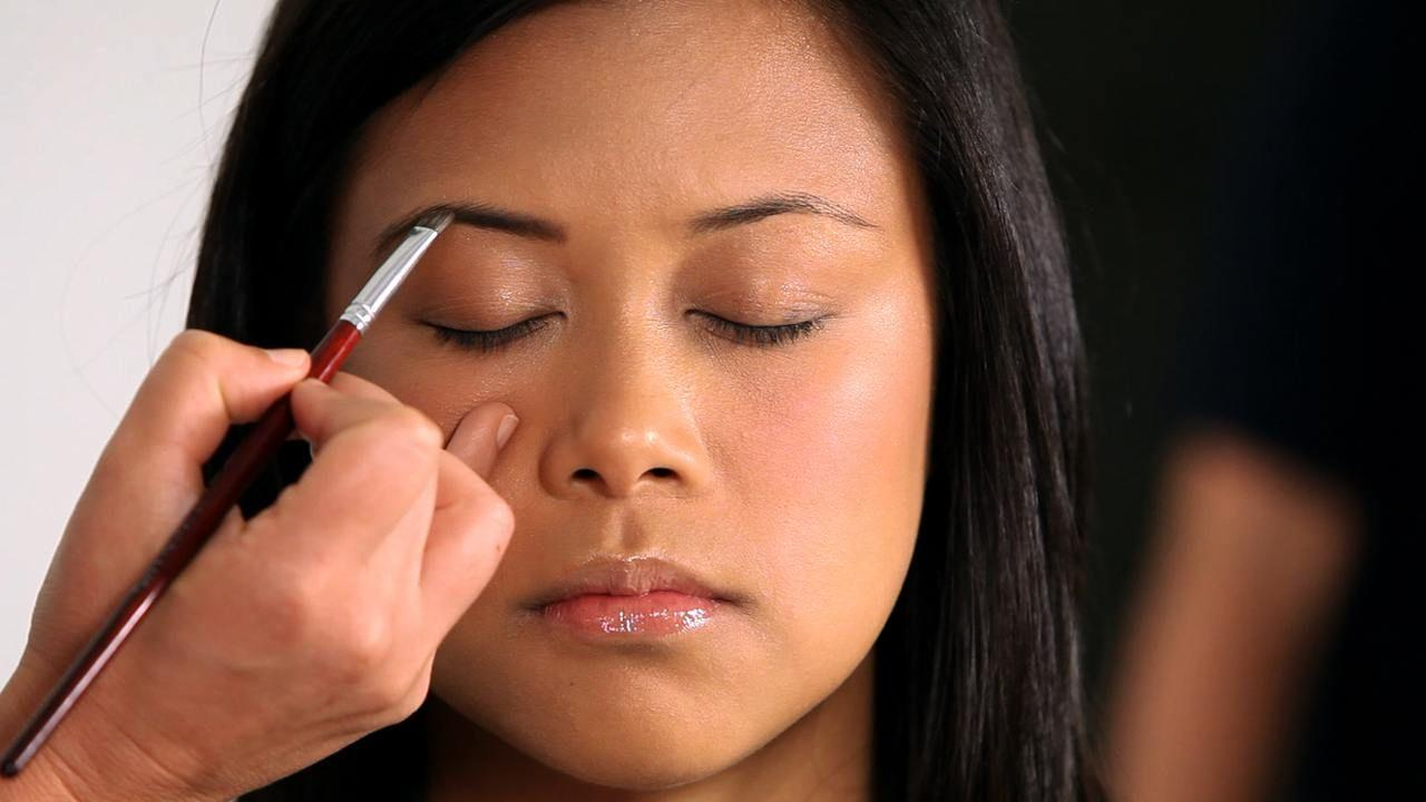 Hati-hati Girls, Kesalahan Makeup Ini Bikin Kamu Terlihat Lebih Tua