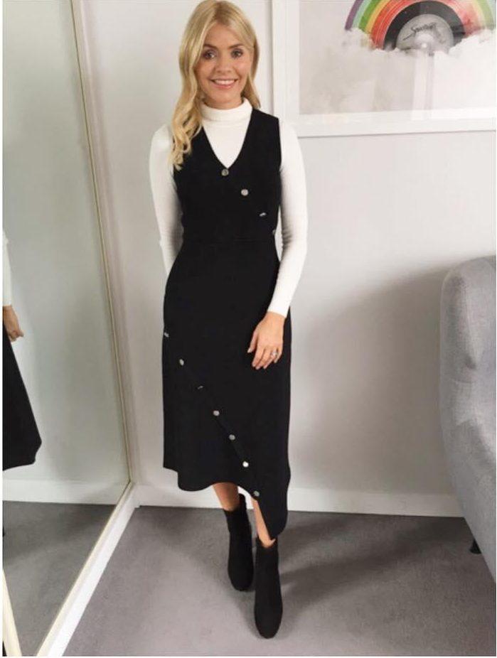 Stylist Selebriti Ungkap 3 Item Fashion yang Wajib Dimiliki Wanita