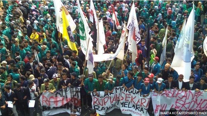 Demo Kantor Sri Mulyani, Ribuan Mahasiswa Desak Pemerintah Jaga Stabilitas Harga