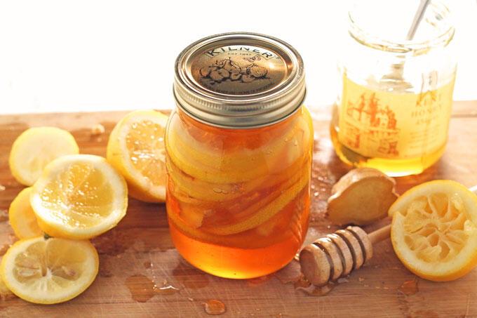 4 Cara Ampuh Menghilangkan Ketombe dengan Ramuan Ajaib Lemon