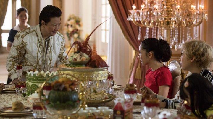 Berjudul Sama, Inilah 10 Perbedaan Film vs. Buku Crazy Rich Asians